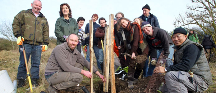 https://brightonpermaculture.org.uk/wp-content/uploads/aboutus/brightonpermaculture08.jpg