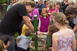 Juicing apples at Apple Day 2015