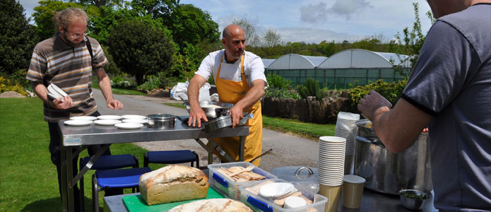 https://brightonpermaculture.org.uk/wp-content/uploads/courses/cookery/slideshow/fruitcookery04.jpg