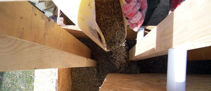 https://brightonpermaculture.org.uk/wp-content/uploads/courses/hempcrete/slideshow/hemplime05.jpg