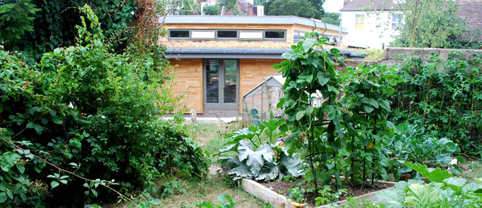 https://brightonpermaculture.org.uk/wp-content/uploads/events/ecoopenhouses/slideshow/eohslide4.jpg
